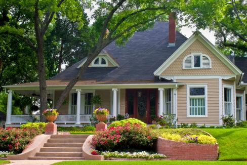 property 03 exterior 488x326 - Home